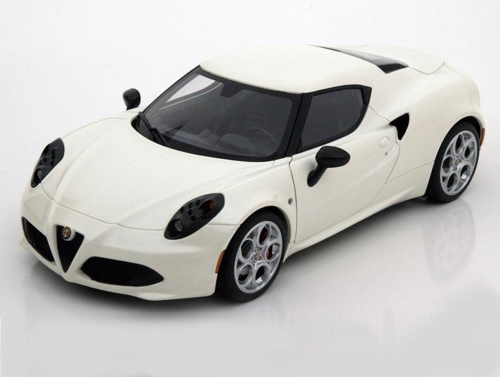 18_AutoArt_70188_Alfa_Romeo_4C_a