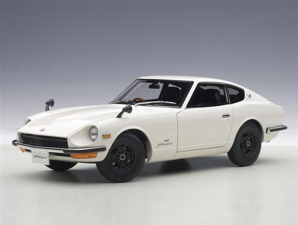 18_AutoArt_77438_Nissan_Fairlady_Z432_a