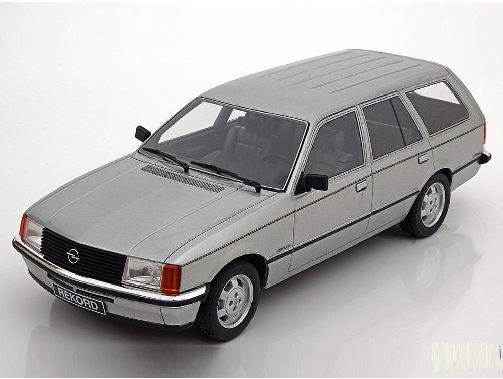 18_BOS080_Opel_Rekord_E_Caravan_1981_a