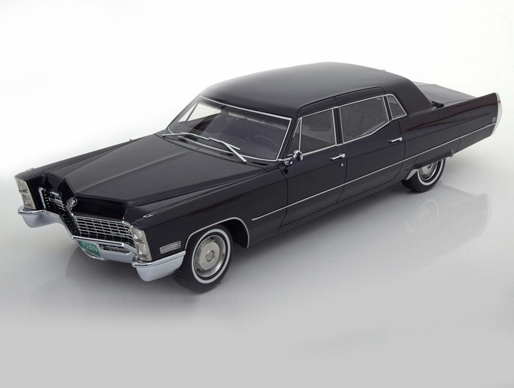 18_BOS393_Cadillac_Fleetwood_Series_75_a