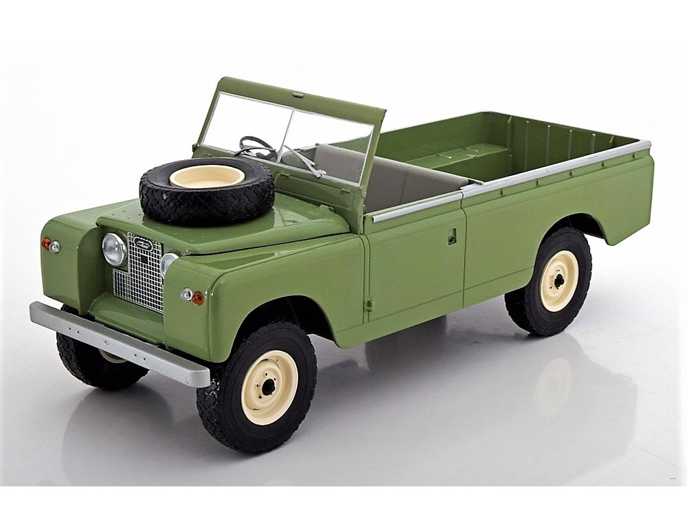 18_Land_Rover_109 Series2_Green_a