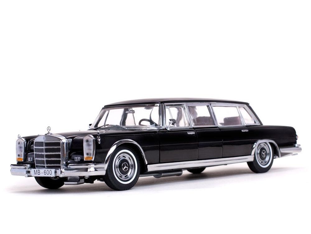 18_Mercedes_Benz_600_Pullman_Limo_a