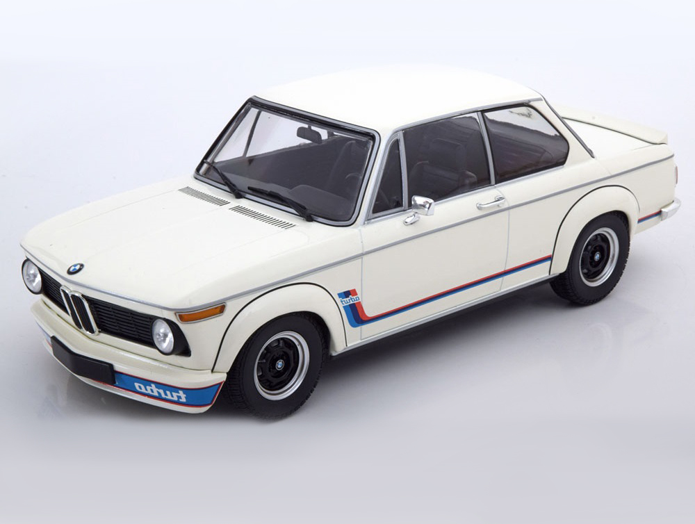 18_Minichamps_BMW_2002_Turbo_a