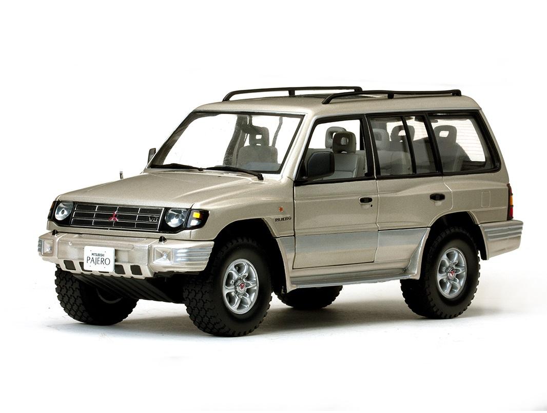 18_Mitsubishi_Pajero_3.5_V6_a