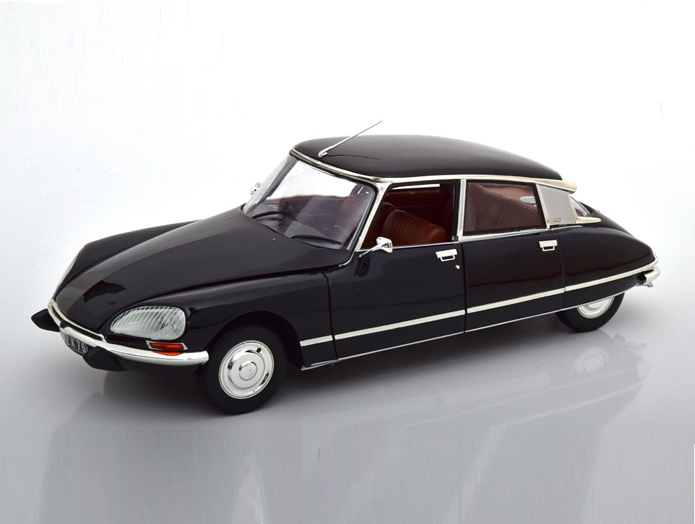 18_Norev181482_Citroen_DS23_Pallas_a