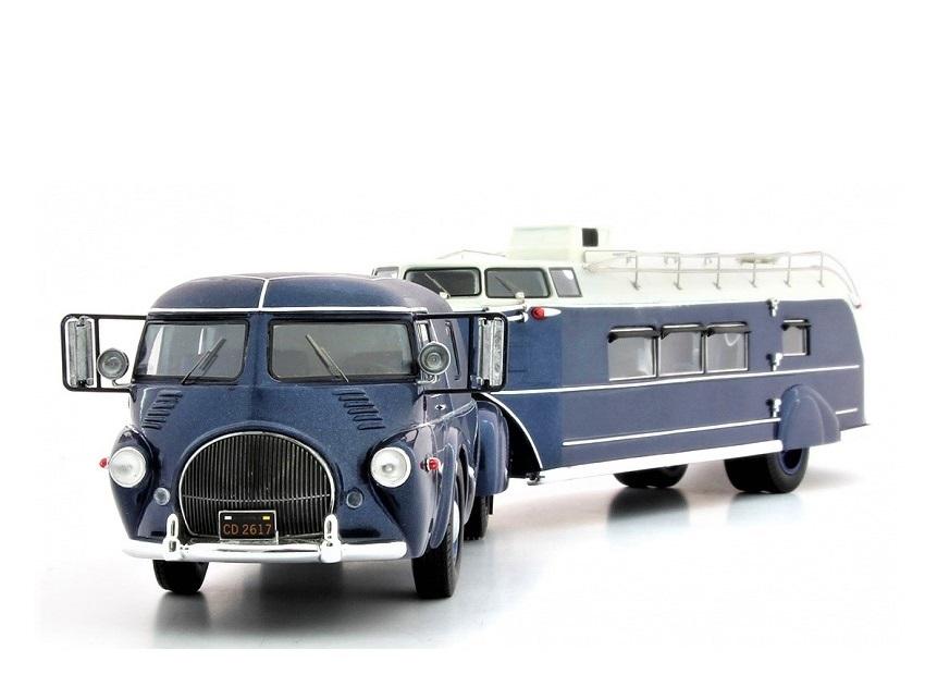18_Reo_Truck_Curtiss_Aerocar_a