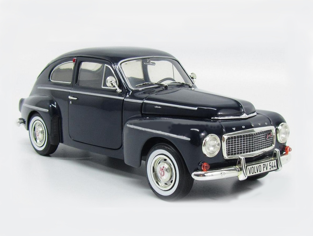 18_Revell08886_Volvo_PV544_Blue_a