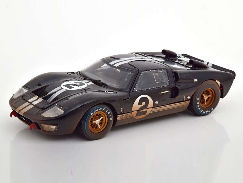 18_Shelby_Ford_GT40_MK2_LeMans_a
