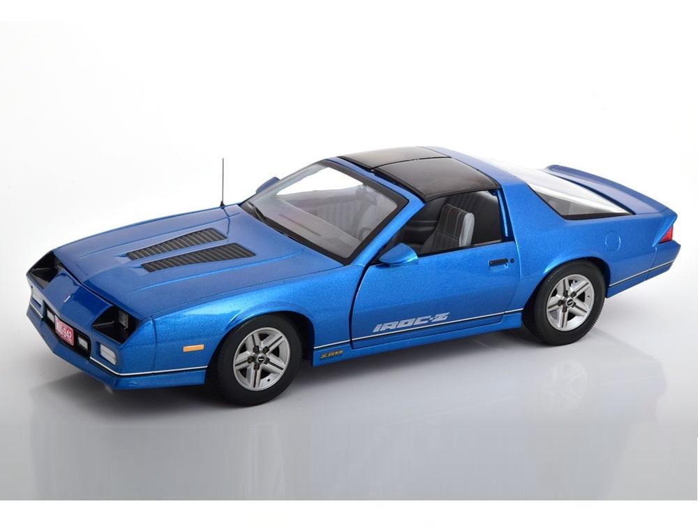 18_Sunstar1942_Chevrolet_Camaro_a