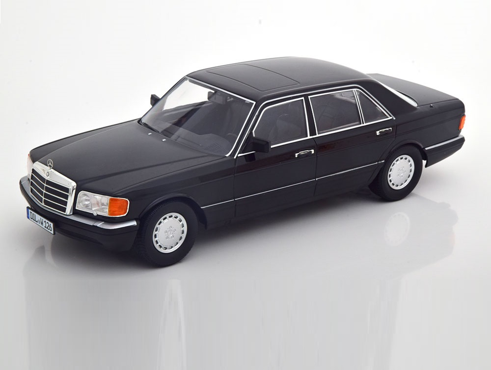 18_iScale_MB_560SEL_W126_Black_a