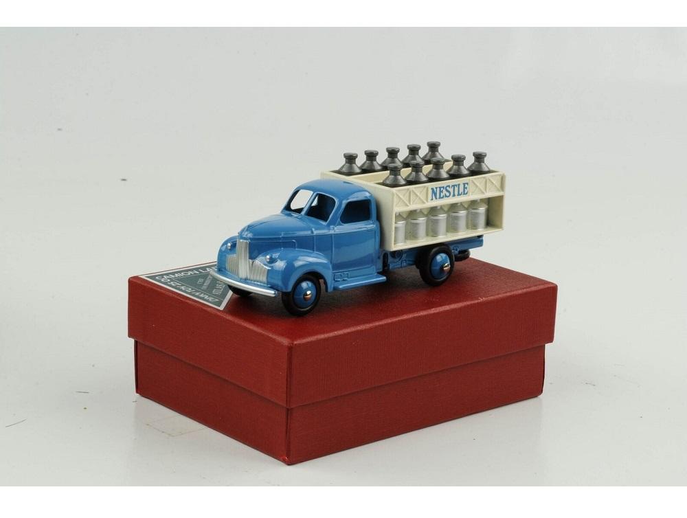 43_4677118_Studebaker_Milk_Truck_e