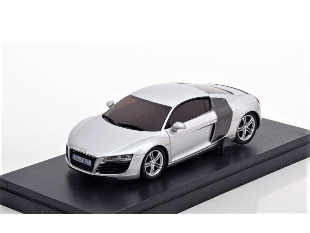 43_75188_Audi_R8_Silver_a