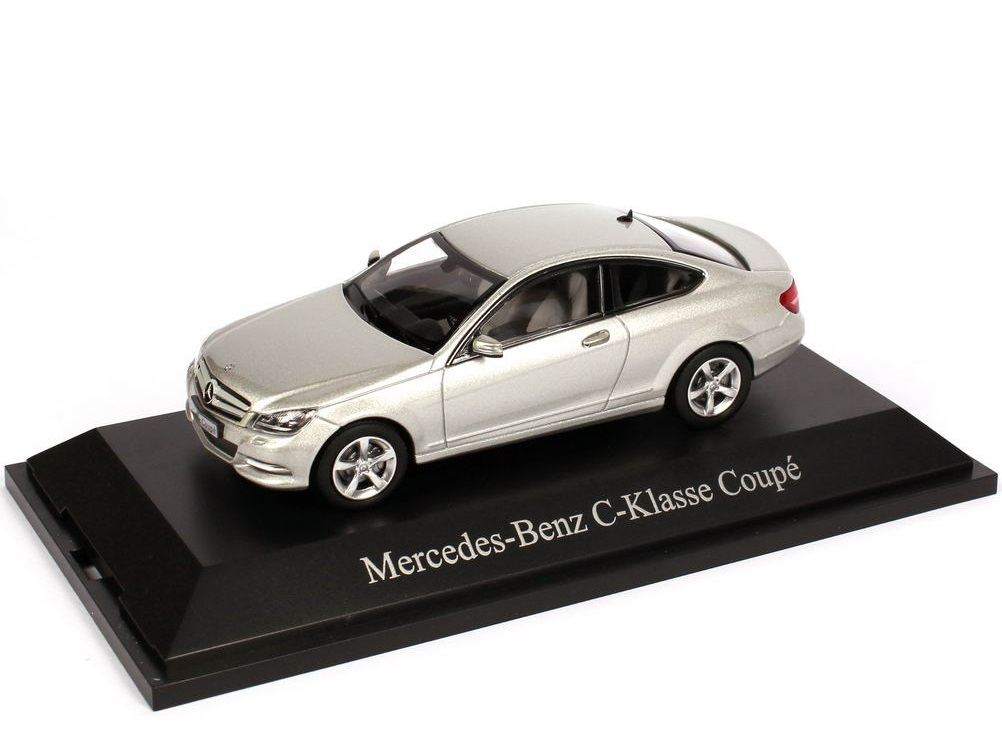 43_B66960082_MB_C_Class_Coupe_C204_a