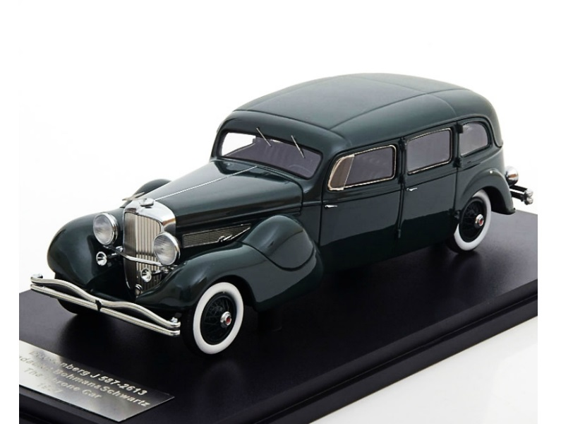 43_Duesenberg_ModelJ_Throne_Car_a