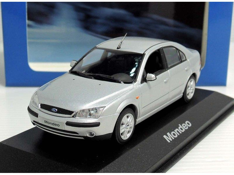 43_Ford_Mondeo_2001_a
