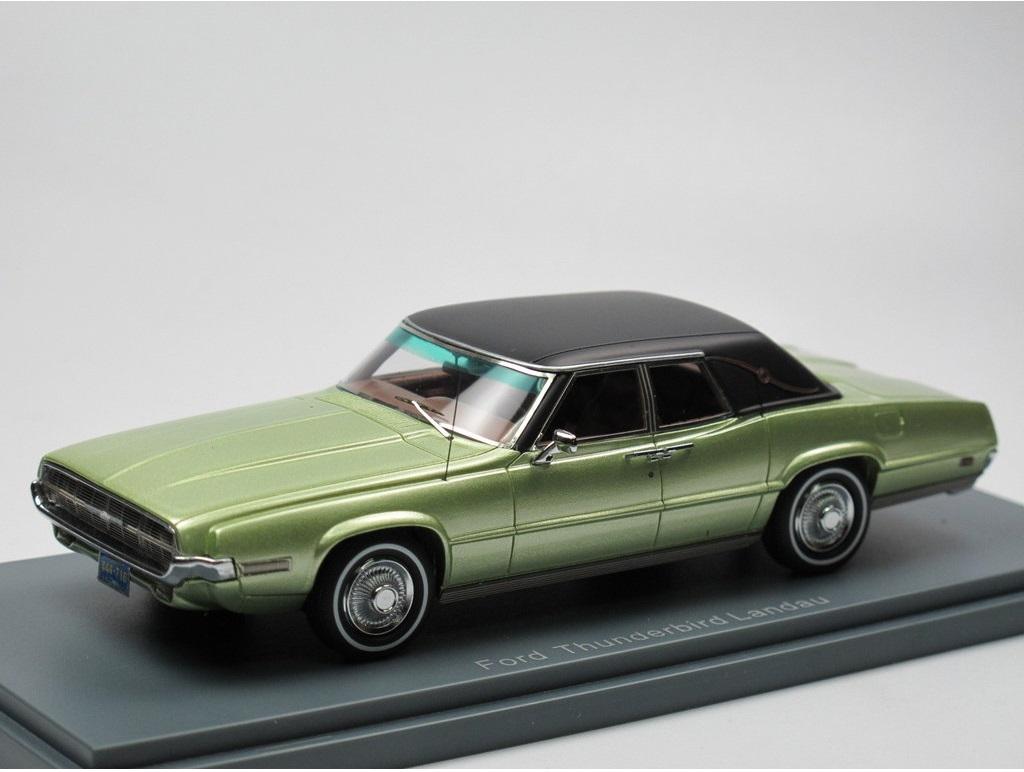 43_Ford_Thunderbird_Landau_a