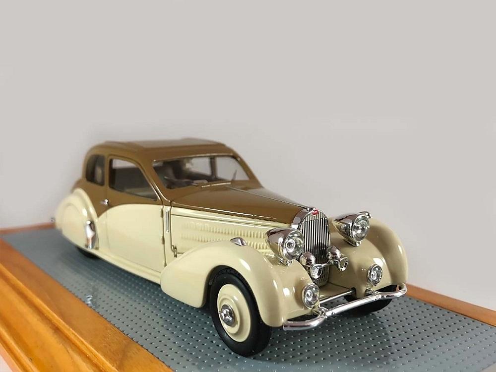 43_IL110_Bugatti_T57_Coach_a