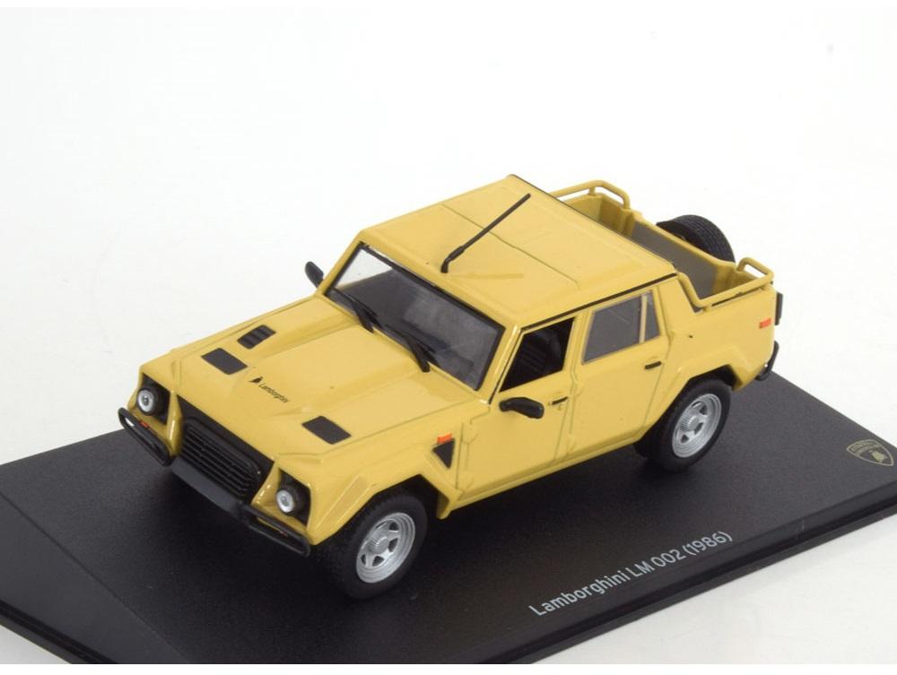 43_Leo020_Lamborghini_LM002_a