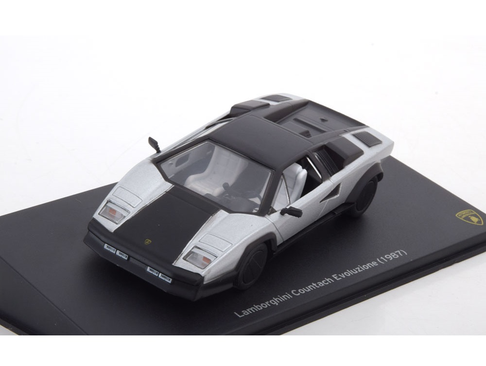 43_Leo059_Lamborghini_Countach_Evoluz_a