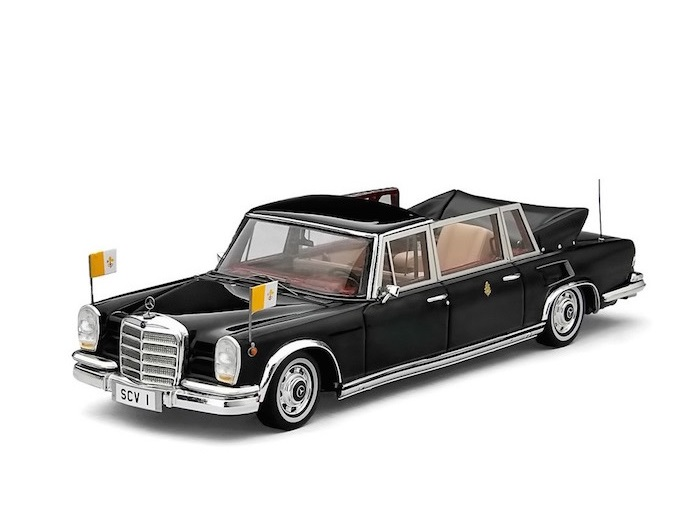43_MB_600_Landaulet_Pope_Paul_VI_a