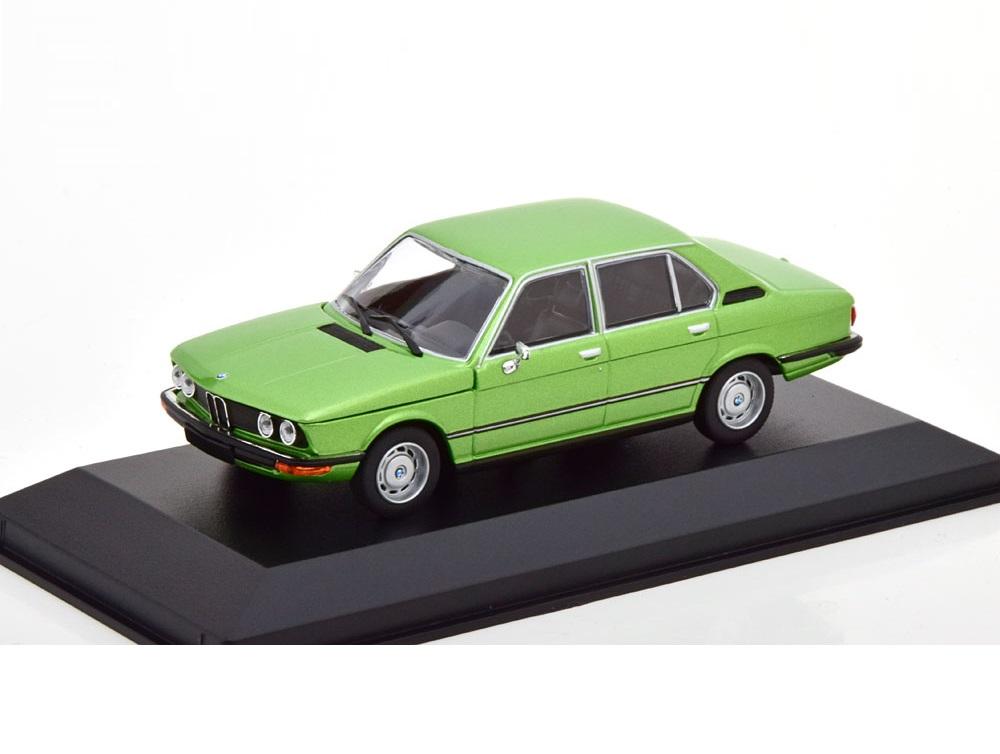 43_Maxichamps_BMW_520_1972_a