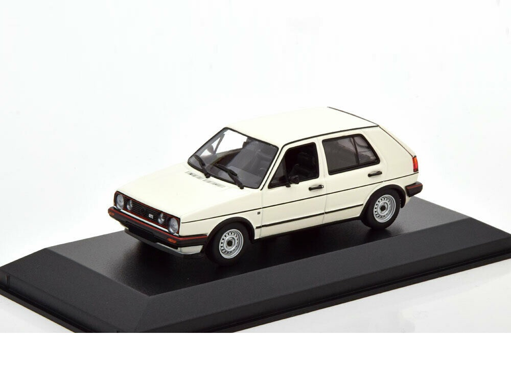 43_Maxichamps_VW_Golf_GTi_1986_a