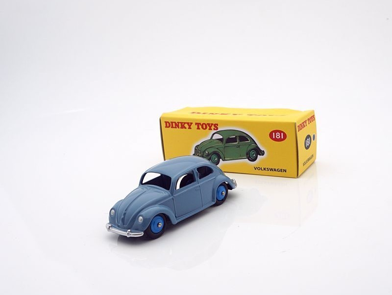 43_Volkswagen_Kaefer_Dinky_Toys_a
