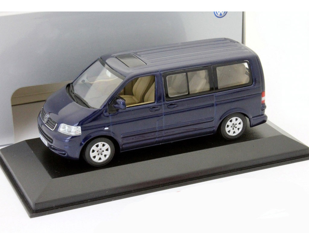 43_Volkswagen_T5_2003_Blue_a