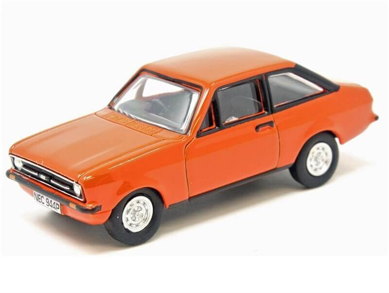 76_Oxford_76ESC001_Ford_Escort_Mk2_a