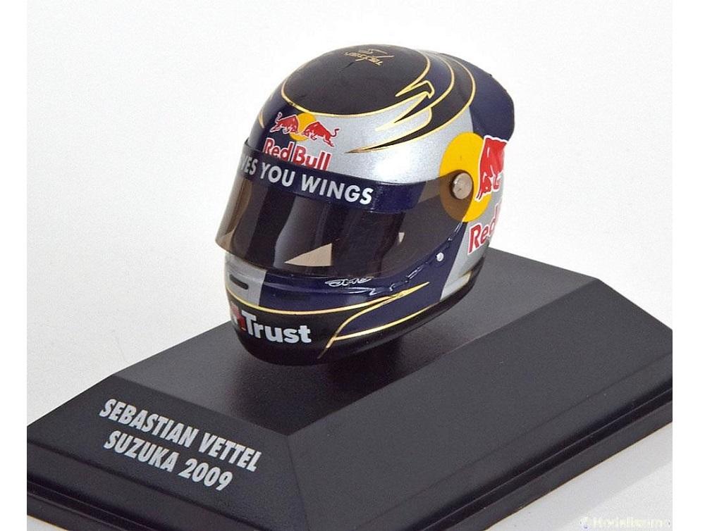 8_Helmet_Vettel_Suzuka_a