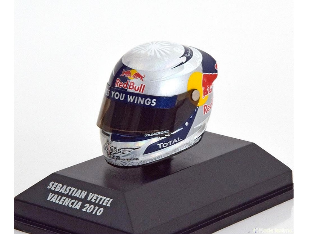 8_Helmet_Vettel_Valencia_2010_a