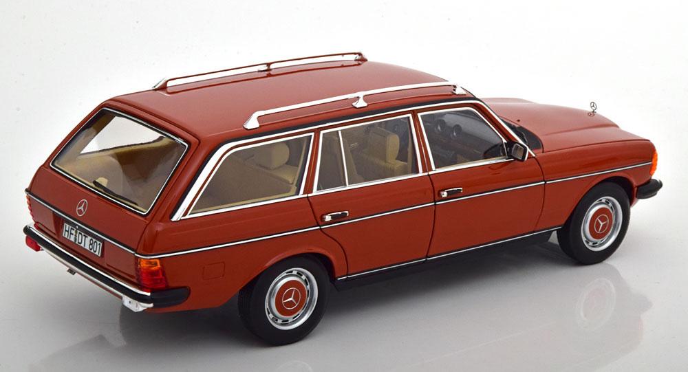 Mercedes_Benz_200_S123_Estate_1982_b