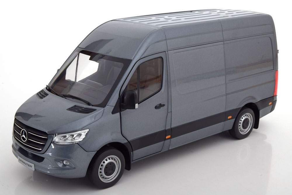 18_Mercedes_Sprinter_Grey_a