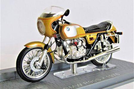 24_BMW_R90S_a