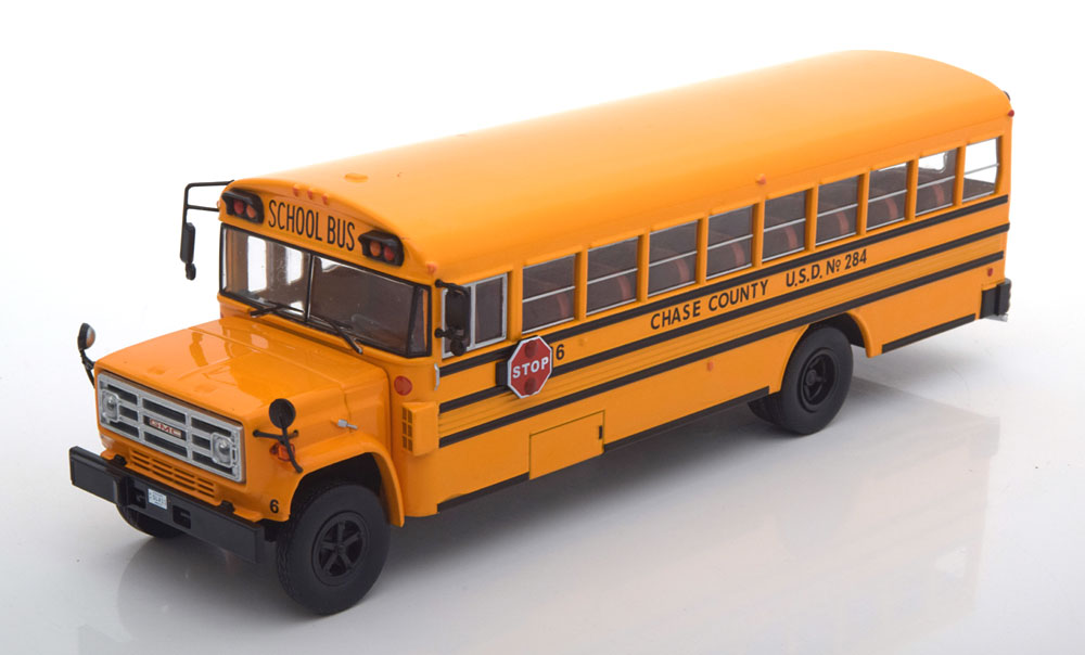 43_BUS004_GMC_School_Bus_a