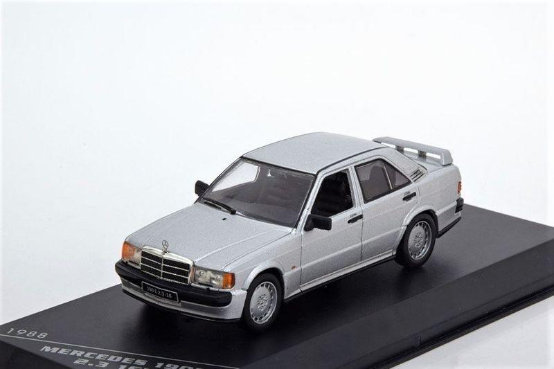 43_Mercedes_Benz_190E_a