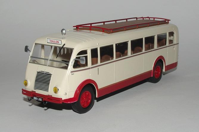 43_Renault_215D_Bus_1946_a