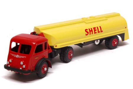 50_Renault_Lazy_Tanker_a