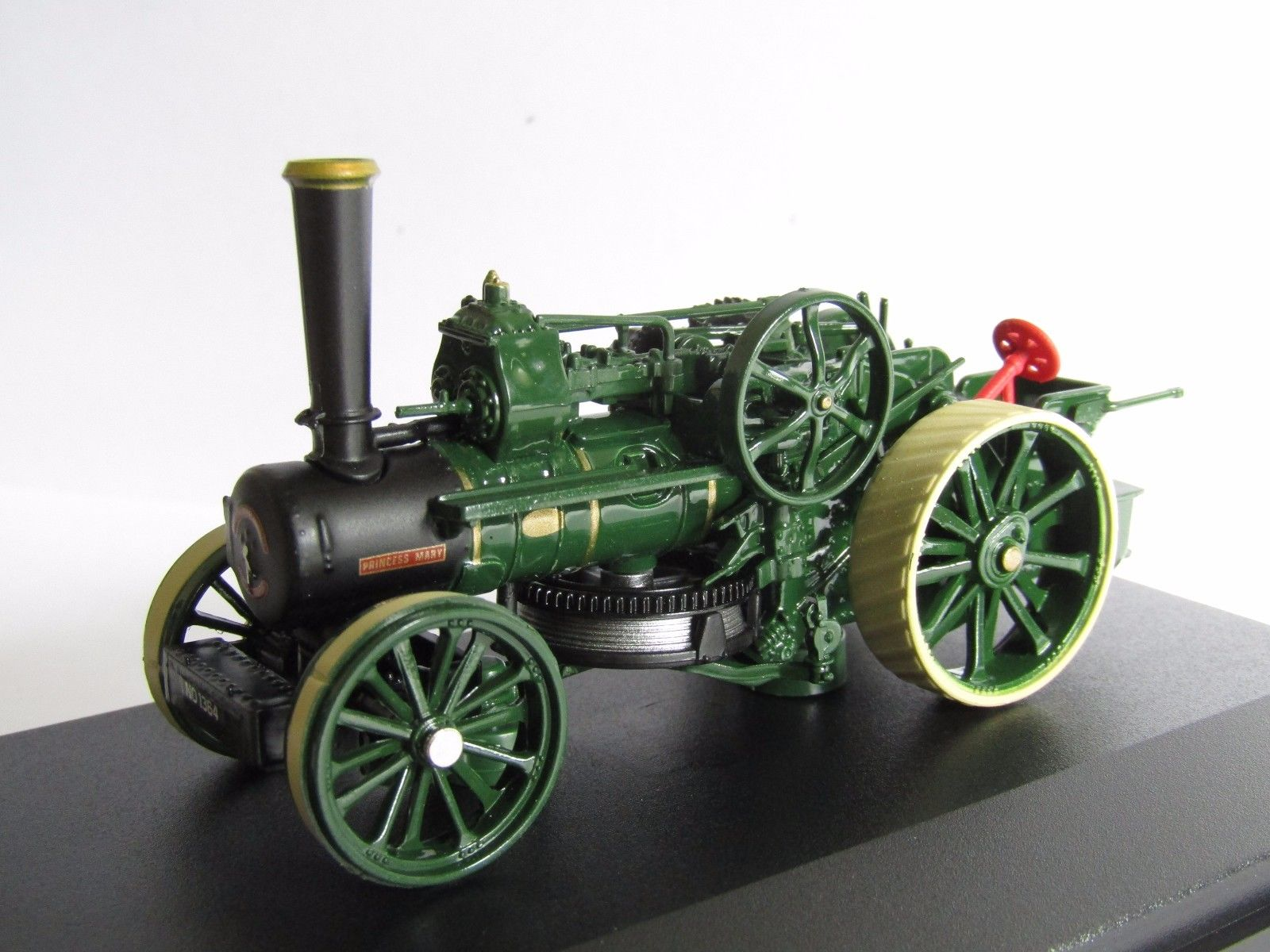 76_Fowler_BB1_Ploughing_Engine_a